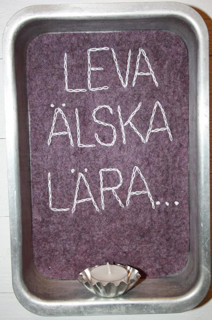 Kakformsampel Leva älska lära.jpg