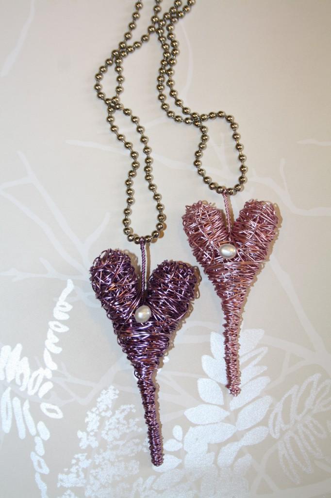 Trasselhjärta halsband Rosa och LjustLila