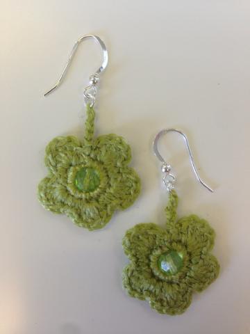 Virakade gröna örhängen Blomma