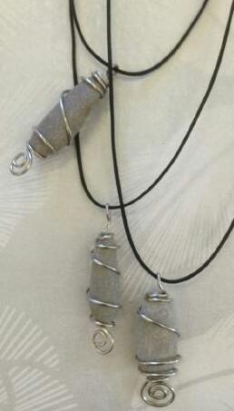 Halsband med stenar frå Öland